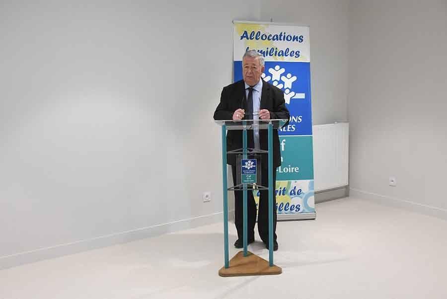 Caisse d'allocations familiales : André Chapaveire laisse le fauteuil à Laurence Lebrat
