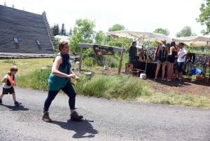 Saint-Front : des ânes en chair et en bois sur le chemin de la cascade de Souteyros