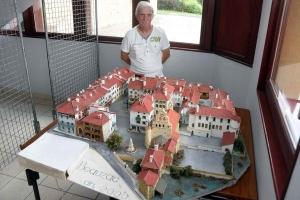 Beauzac : il a réalisé une maquette du bourg en trois dimensions