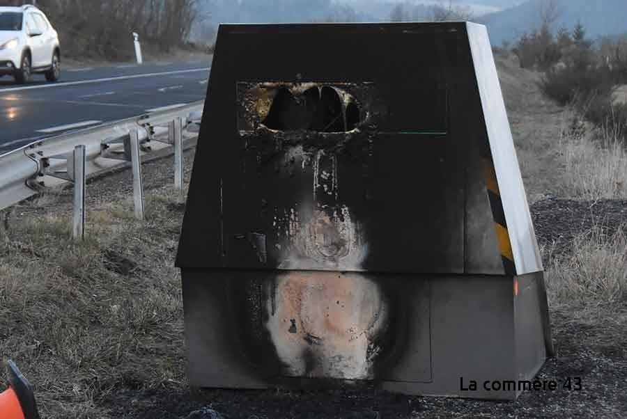 Loudes : le radar de chantier incendié sur la RN102