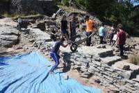 Yssingeaux : le chantier jeunes permet d'enrichir les connaissances sur les ruines de Saussac