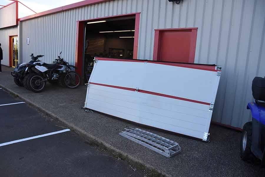 Des motos volées dans un casse à la voiture-bélier à Yssingeaux