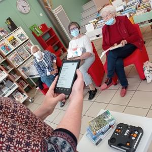 Chambon-sur-Lignon : un moment de lecture adapté aux personnes âgées