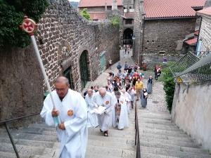 Le Puy-en-velay : des processions tout l'été jusqu'à la statue Notre-Dame de France