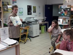 Tence : rencontre avec l'artiste Laetitia Devernay au collège de la Lionchère