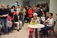 Une vingtaine de membres de sa famille sont venus souhaiter un bon anniversaire samedi à l'aïeule.