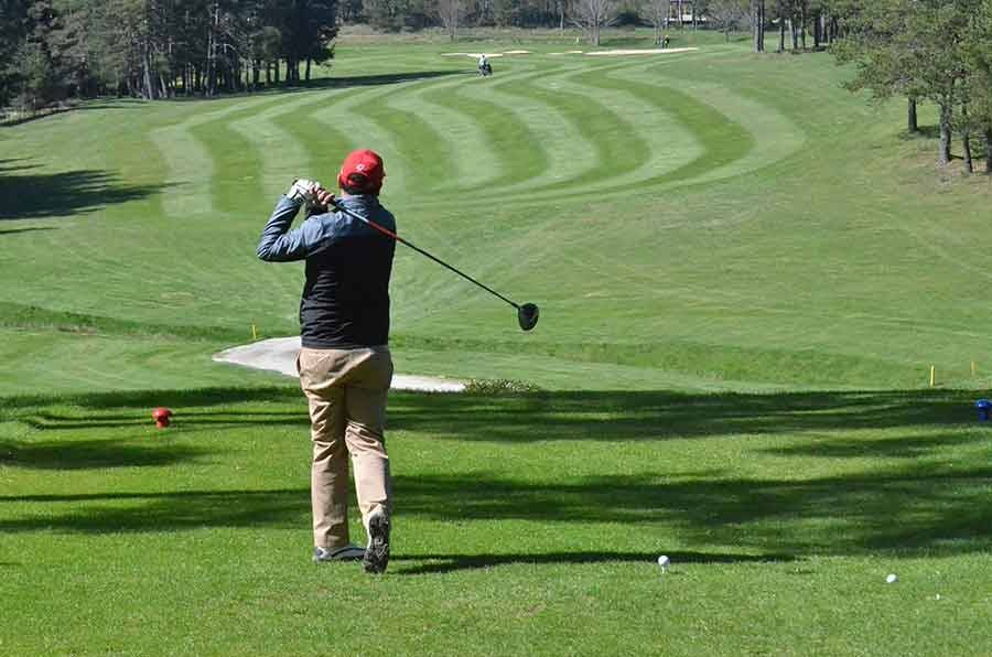 Le Chambon-sur-Lignon : des initiations gratuites au golf en septembre