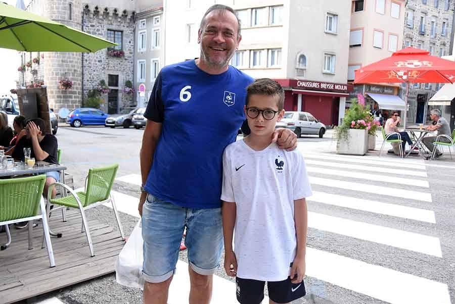 Tous en bleu-blanc-rouge pour encourager l'équipe de France