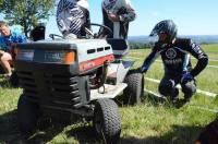 Des courses de tracteurs-tondeuses ont animé la journée.