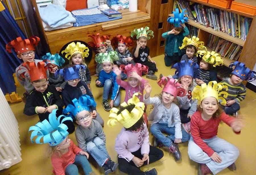 Montfaucon-en-Velay : atelier couronne et galette des rois à l'école Abel-Grimmer