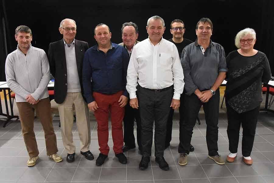 Bernard Souvignet entouré des sept vice-présidents.