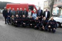 La Séauve-sur-Semène : un camion offert à AGIR pour récolter ses bouchons de plastique