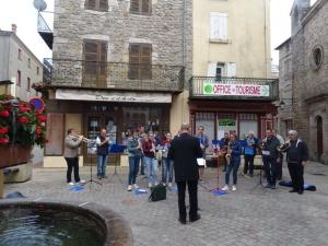 Lalouvesc : karaoké et soirée dansante pour le feu de la Saint-Jean le 25 juin