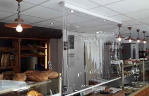 Chambon-sur-Lignon : l'entreprise Sun & Lux crée le store Paravirus
