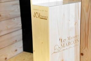 Un distributeur de gel hydro-alcoolique en bois sans contact Made in Yssingeaux