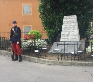 Puy-en-Velay: deux collégiens engagés dans l'école des porte-drapeaux