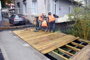 Puy-en-Velay : une passerelle installée pour les piétons et les vélos