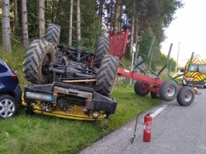 Saint-Agrève : les freins lâchent, le tracteur forestier se retourne