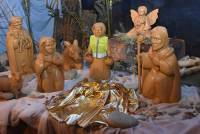 Monistrol-sur-Loire : un Gilet jaune s'invite dans la crèche de Noël à l'église
