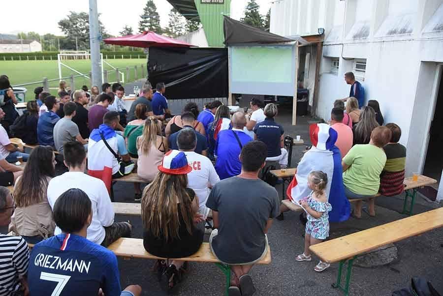 Finale de la Coupe du monde : organisez-vous une retransmission publique ?