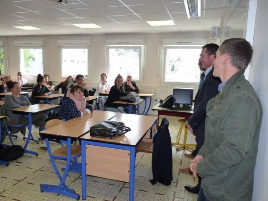 Le Puy-en-Velay : des chefs d'entreprise à la rencontre des lycéens de Jean-Monnet