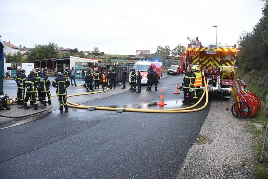 Les pompiers de Montfaucon et Dunières en manoeuvre chez Linamar