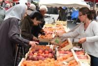 Yssingeaux : un marché aux deux visages