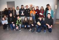 Yssingeaux : les collégiens de Jean-Monnet remettent des produits d'hygiène aux Restos du coeur