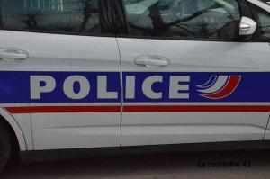 Vals-près-Le Puy : il dissimulait une console sous son t-shirt