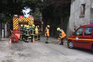 Aurec-sur-Loire : une pelleteuse perce une canalisation de gaz, plusieurs riverains évacués