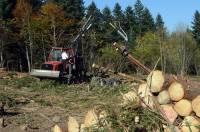 Ce porteur forestier, un investissement de Vincent Delorme d'Araules, a coûté 300 000 euros. La Région aide à hauteur de 90 000 euros.