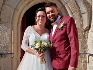 Saint-Romain-Lachalm : Anaïs et Lionel bien entourés avec dix témoins de mariage