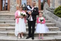 Magali Ferrier et Cédric Chazalet, et leurs deux enfants.