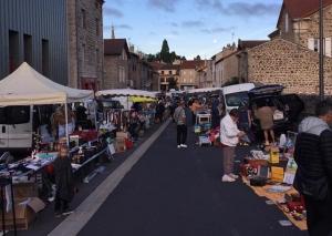 Montfaucon-en-Velay : 150 exposants attendus mercredi pour la brocante et le vide-greniers
