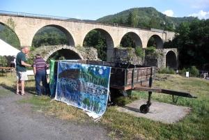 Lavoûte-sur-Loire : des activités au pied du Pont Vieux avant les travaux de rénovation