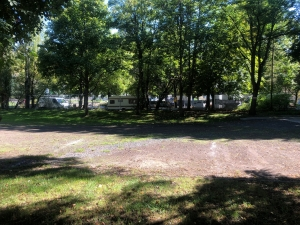 Le camping de Bouthezard dérangé par l'installation de gens du voyage sur le parking Quincieu