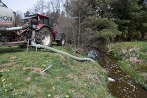 Tence : une unité de méthanisation fuit, une rivière polluée par du lisier