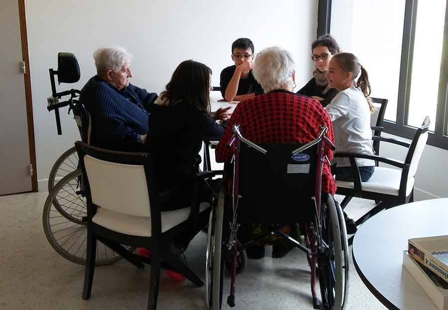 Tence : une rencontre intergénérationnelle entre collégiens et seniors de la Sérigoule