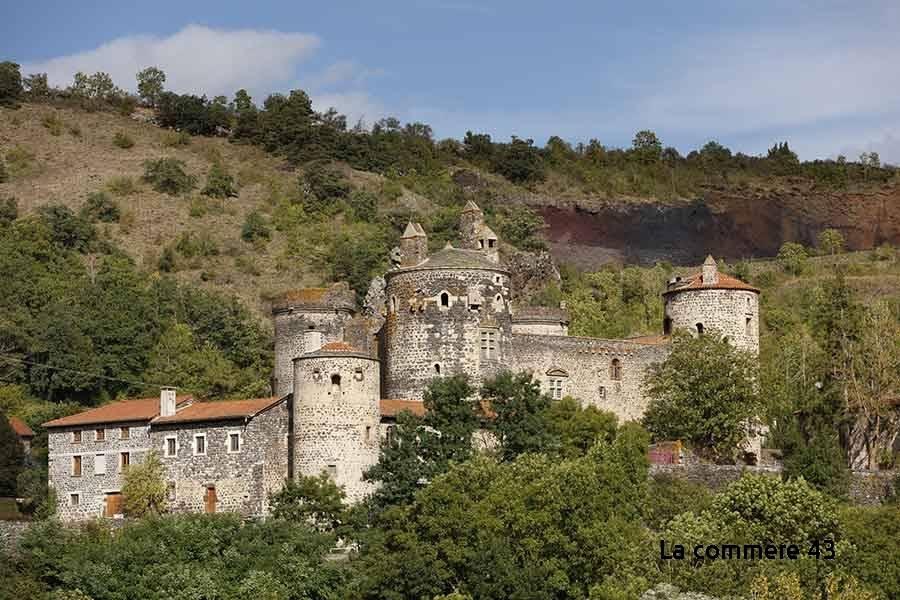 L'association de la forteresse de Saint-Vidal présente ses projets à travers la Haute-Loire
