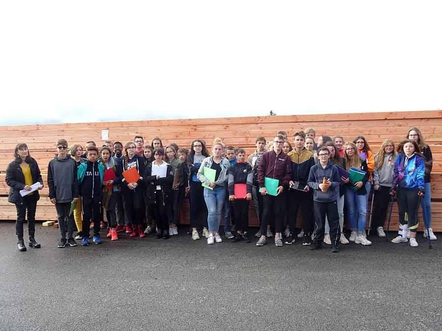 Tence : les collégiens de la Lionchère visitent Guilhot Bois au Mazet-Saint-Voy