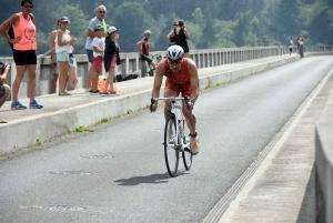 Théo Debard tout puissant sur le Triathlon des Sucs