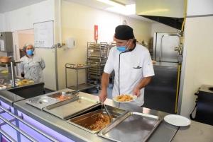 Le Chambon-sur-Lignon : un voyage gustatif en Europe à l'heure du déjeuner au collège