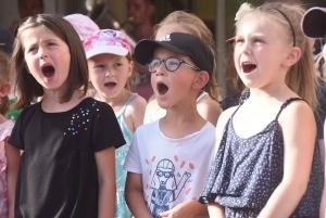 Saint-Maurice-de-Lignon : les écoliers ont écrit une chanson pour des enfants birmans