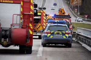Monistrol-sur-Loire : une voiture finit dans le fossé sur la RN88