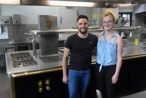 Saint-Bonnet-le-Froid : un jeune couple rachète le restaurant Chatelard