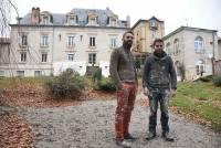 Ludovic et Romain Bertrand participent activement au chantier de rénovation.