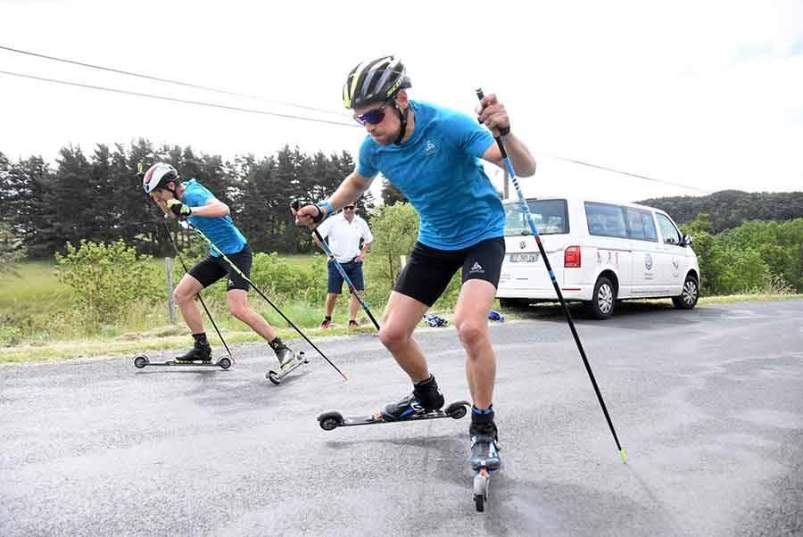 Martin Fourcade et l'équipe de France de biathlon débutent leur saison en Haute-Loire (vidéo)