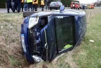 Lantriac : une voiture se retourne dans le fossé