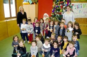 La Chapelle-d'Aurec : le Père Noël en visite à l'école du Marronnier