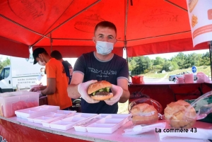 """Les agriculteurs sur la route des vacances avec des repas """"Made in Haute-Loire"""""""